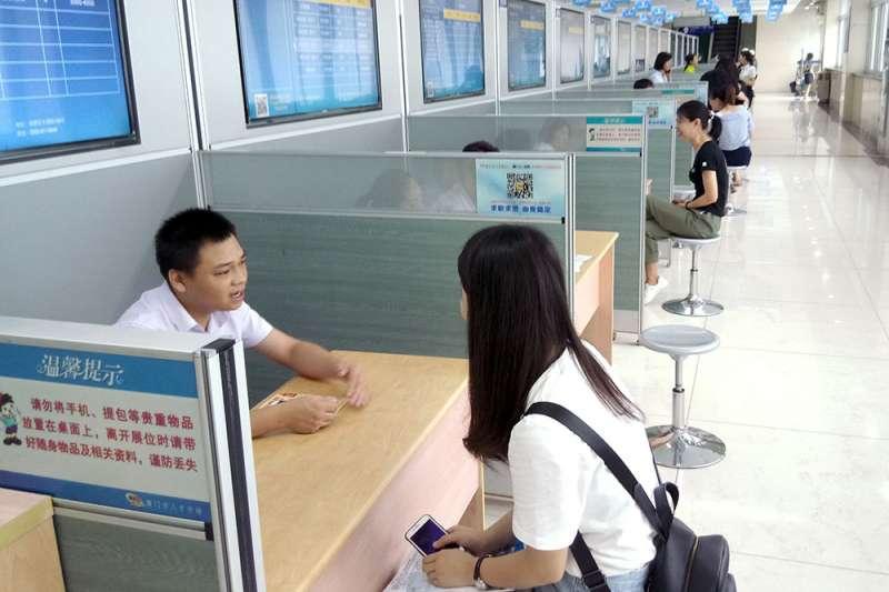 中國國務院總理李克強於人大閉幕記者會上表示,除了要把惠台31條舉措扎扎實實地落到位,接下來還要有新舉措。(張家豪攝)