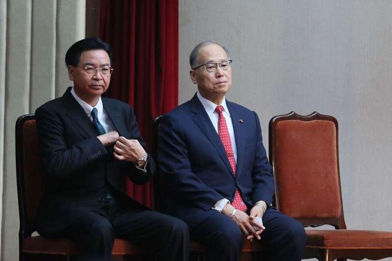 李大維(右)與吳釗燮(左)職位互換,命運大不同。(柯承惠攝)