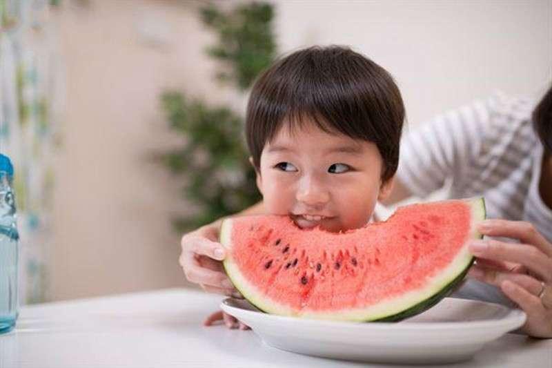 古代 壯陽 藥 - 為何長輩老是說「晚上別吃西瓜」?中醫師解答:容易腸胃不適、筋骨痠痛,還有這些症狀…