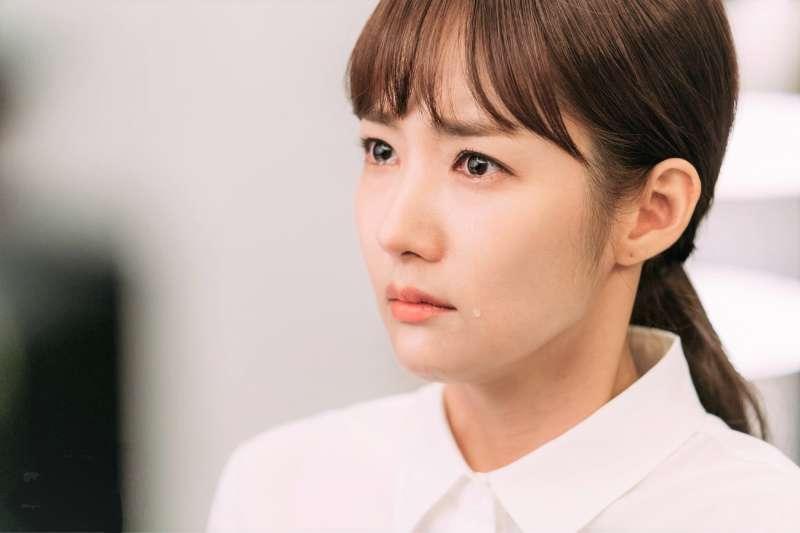 許多人面對難題都喜歡拖延,生物學家也認證:不做決定也是一種智慧。(圖/tvN(티비엔)@facebook)