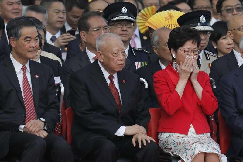 2018年7月1日,香港主權移交中國21周年,現任特首林鄭月娥與2名前任特首董建華(中)、梁振英(AP)