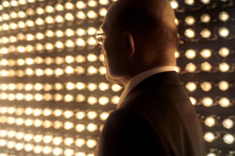 新北市長參選人蘇貞昌發布第一支競選辦公室公共空間開放預告影片,以自己的招牌頭頂作為宣傳,在網路引起熱烈迴響。(截圖翻攝自Youtube影片,蘇貞昌辦公室提供)