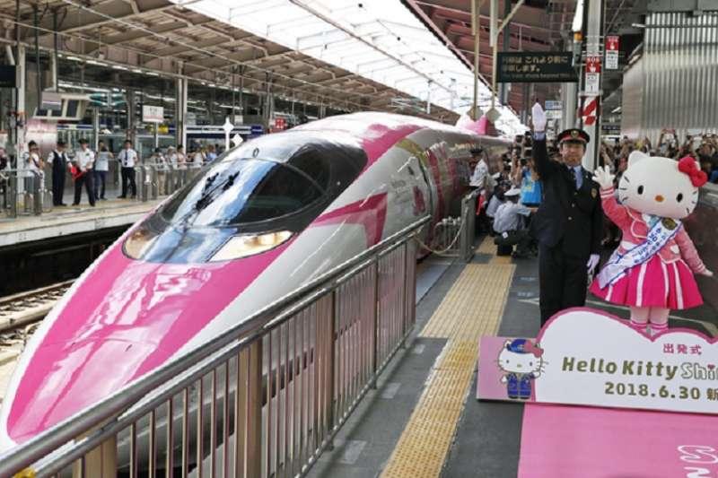 日本全面推動觀光。Hello Kitty新幹線列車六月底通車。(美聯社)