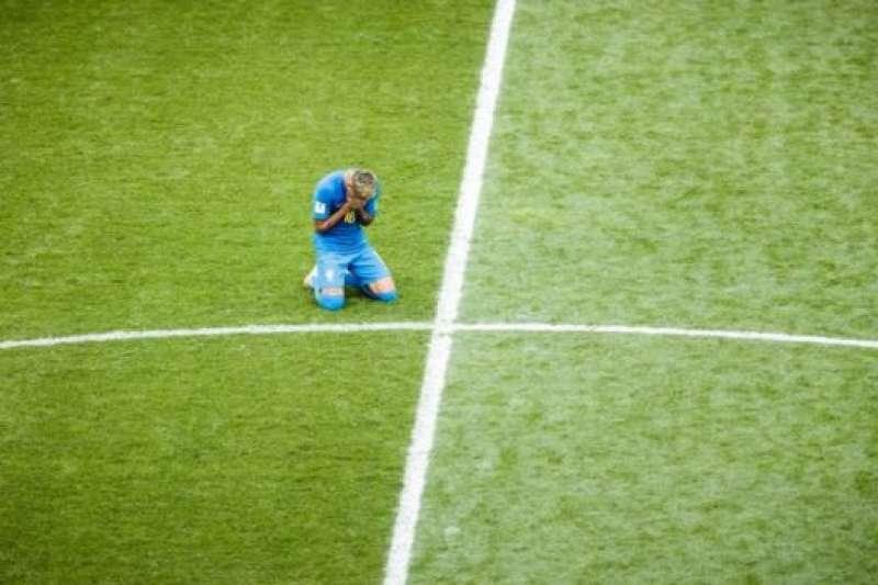 內馬爾曾在賽場上痛哭。(BBC中文網)
