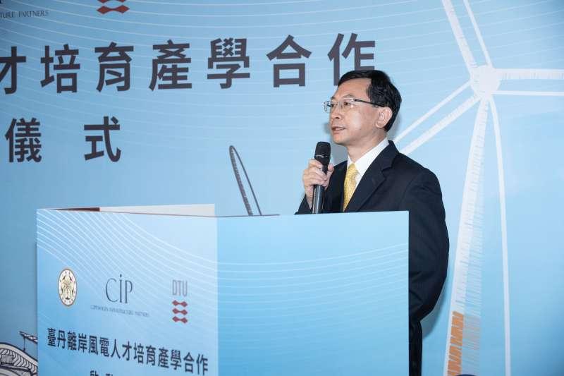 20180704-CIP結合台大與丹麥科大共同推動台灣離岸風能教育,三方於4日在台簽訂合作備忘錄。圖為台大工科海洋系江茂雄系主任。(哥本哈根基礎建設基金CIP提供)