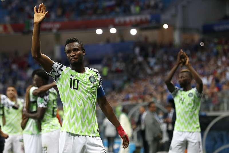 世界盃奈及利亞隊長麥可爾在上週小組賽對上阿根廷的殊死戰,賽前得知父親在國內被綁架,但依然忍住心痛為國家出賽。(美聯社)