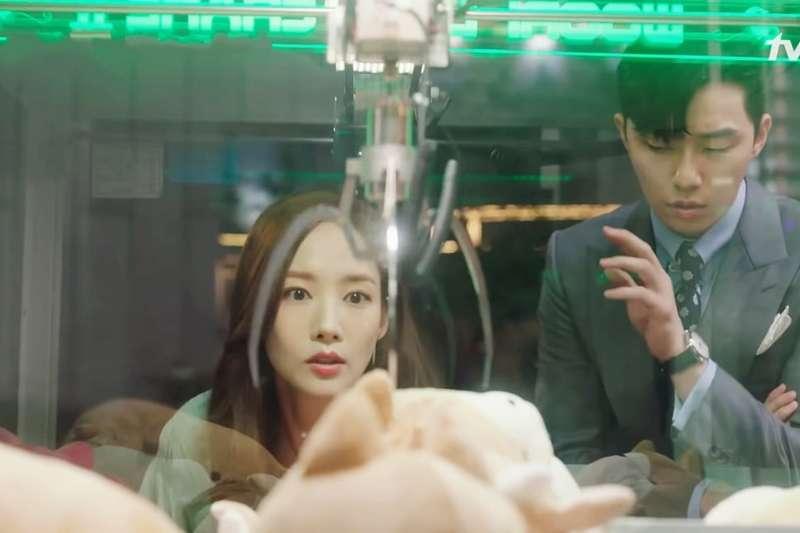 夾娃娃夾到失心瘋,精神科醫師這樣說…(示意圖/tvN DRAMA@youyube)