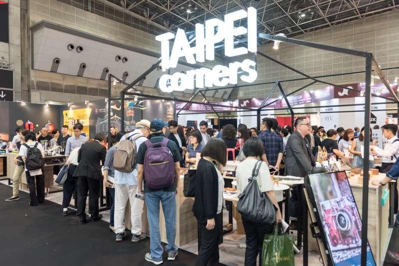 「TAIPEI corners」開展首日,觀展人潮絡繹不絕。(圖/松山文創園區提供)