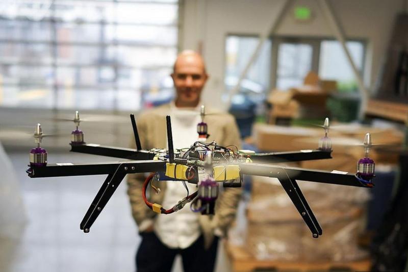 創造長尾理論的《連線》(Wired)前總編克里斯・安德森,從無人機自造者變成創業家創立新創3D Robotics燒掉1億美元後,發展出他的新方向,這次還要來台北親自說給你聽。(圖/Wikimedia,數位時代提供)