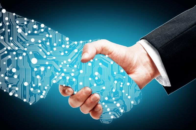 人工智能持續發展,未來機器人與人類將會變成怎麼樣呢?「如果機器人終於跟我們一樣聰明,結果會怎樣?當機器人清醒過來,並有了意識,結果又如何?」(示意圖,Peshkova via Shutterstock)