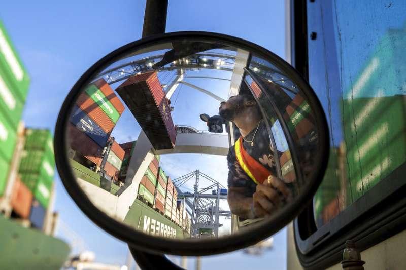 中美貿易戰爆發,影響美國貿易。(AP)