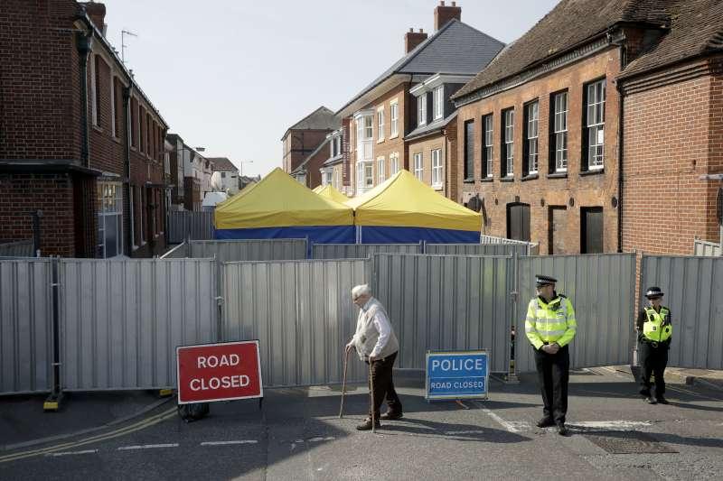 神經毒劑「諾維喬克」殺人事件:英國警方徹底搜索發生毒殺案的小鎮(AP)