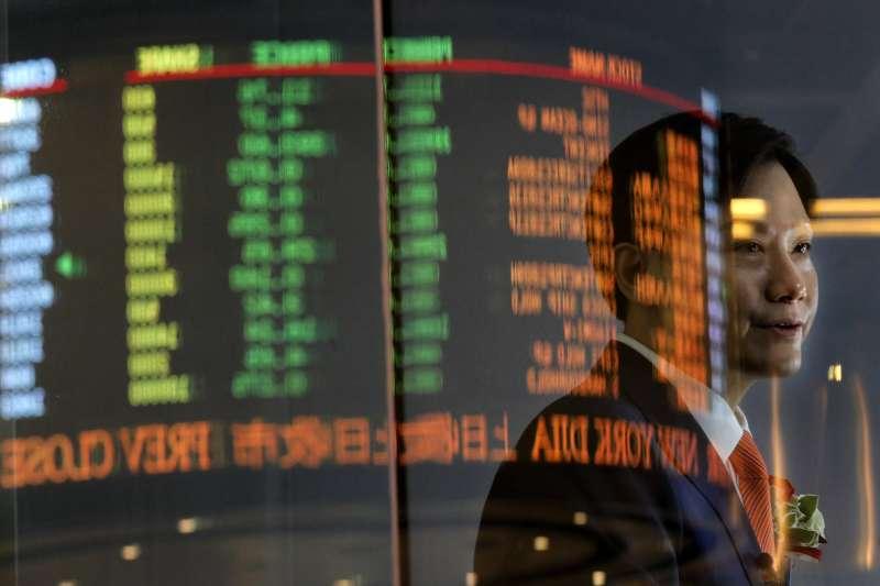 小米創辦人雷軍持股29%,今日一漲身價暴增上百億港幣。(資料照,AP)