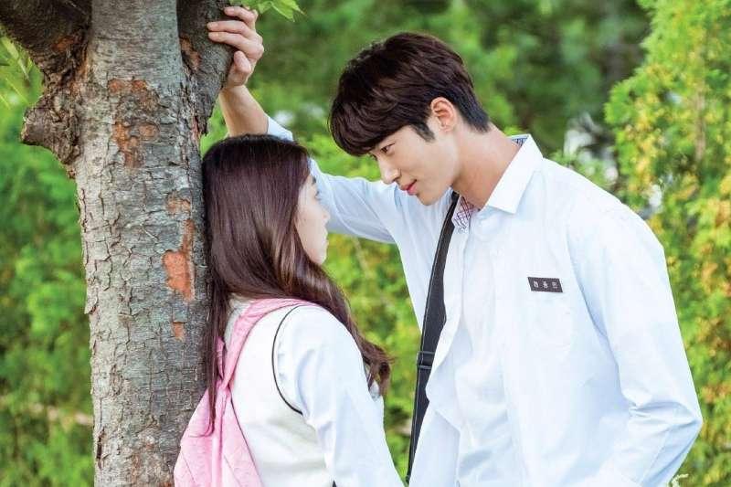 為何女生都希望男友比自己高?(圖/SBS@facebook)