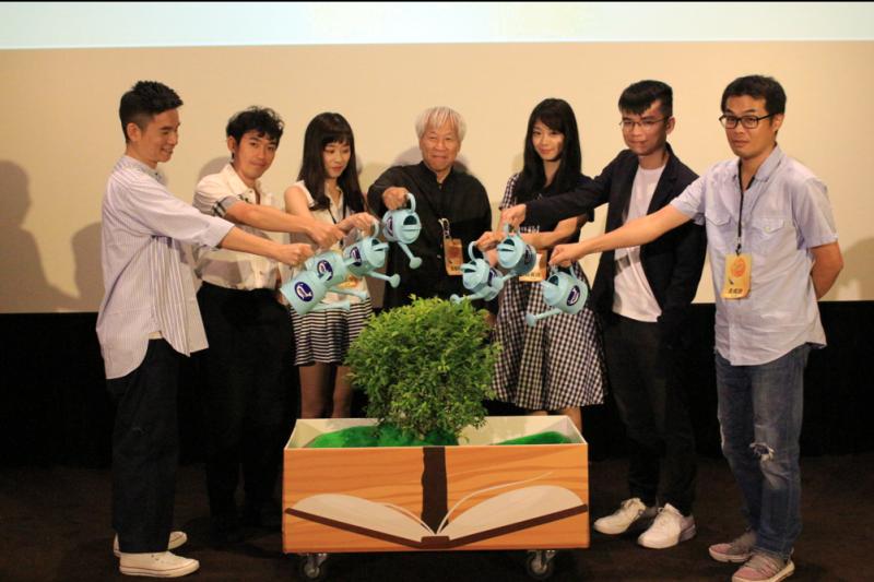 POPO原創執行長何飛鵬與新時代創作講堂&明星創作班講師們共同展現培育作家的決心(圖/城邦原創POPO提供)
