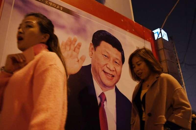 宣傳中國領導人習近平及其思想的各種書籍、講座、學術研究層出不窮。(BBC中文網)