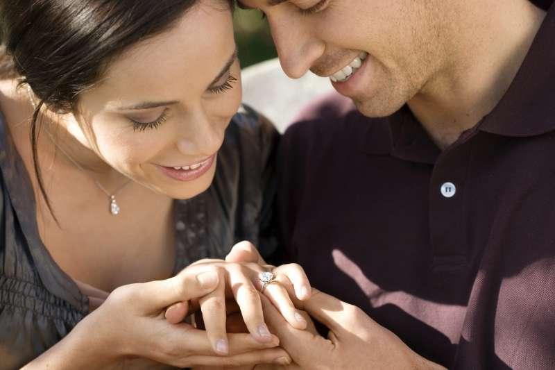 AMC 鑽石婚戒對鑽石品質相當要求,款式多元、設計新穎(圖/AMC 鑽石婚戒提供)