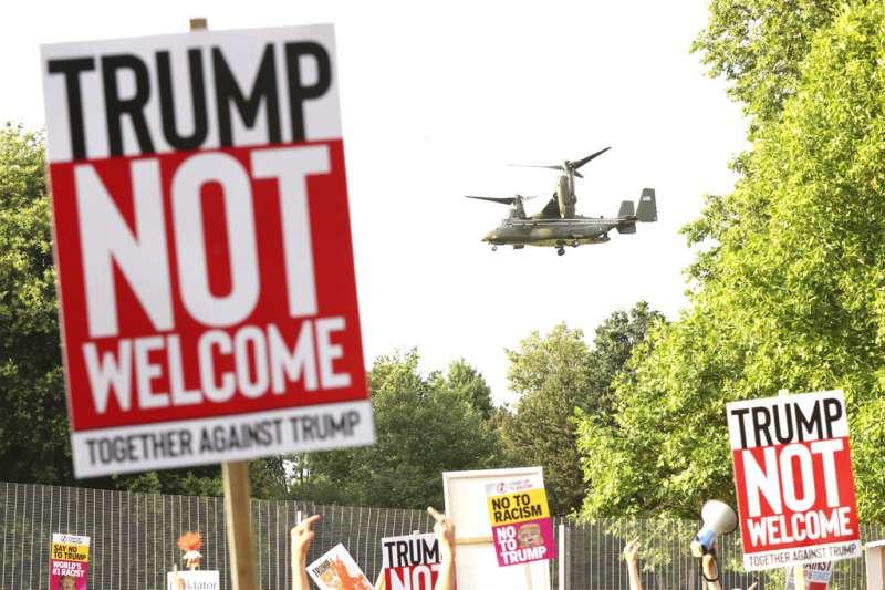 2018年7月12日,美國總統川普訪問英國,英國倫敦出現抗議民眾。(AP)