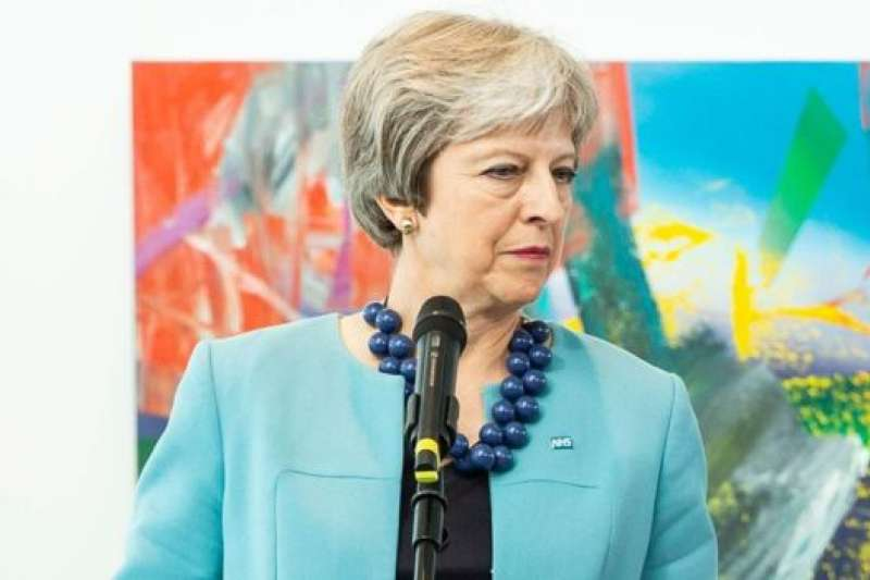 特里莎·梅伊在脫歐掀起的英國政壇滔天巨浪中登上首相權座。她曾經支持留在歐盟。(BBC中文網)