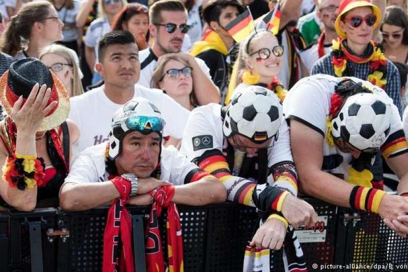 心碎的德國隊球迷。(德國之聲)
