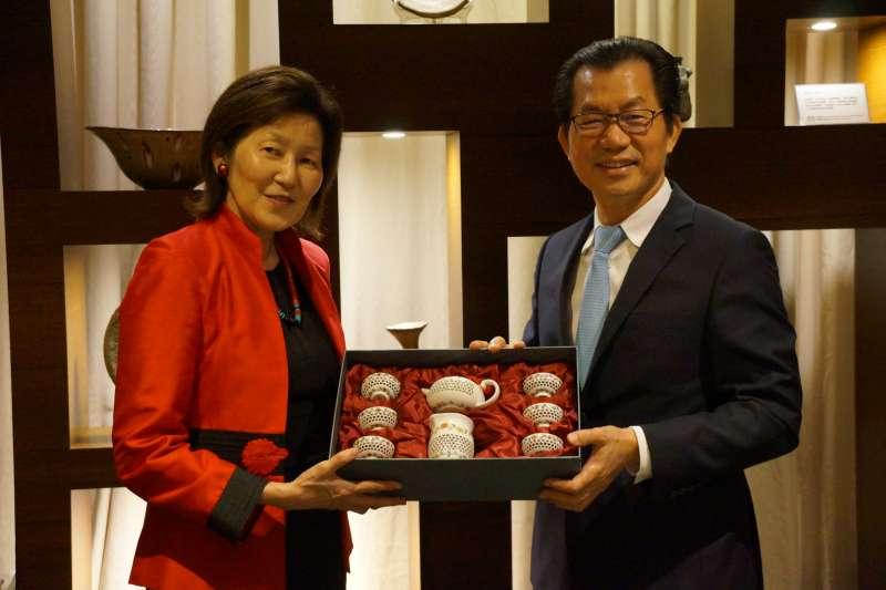 美國環保署首席副助理署長西田珍(Jane Nishida)於(12)日抵台,並與環保署署長李應元會面。(環保署提供)