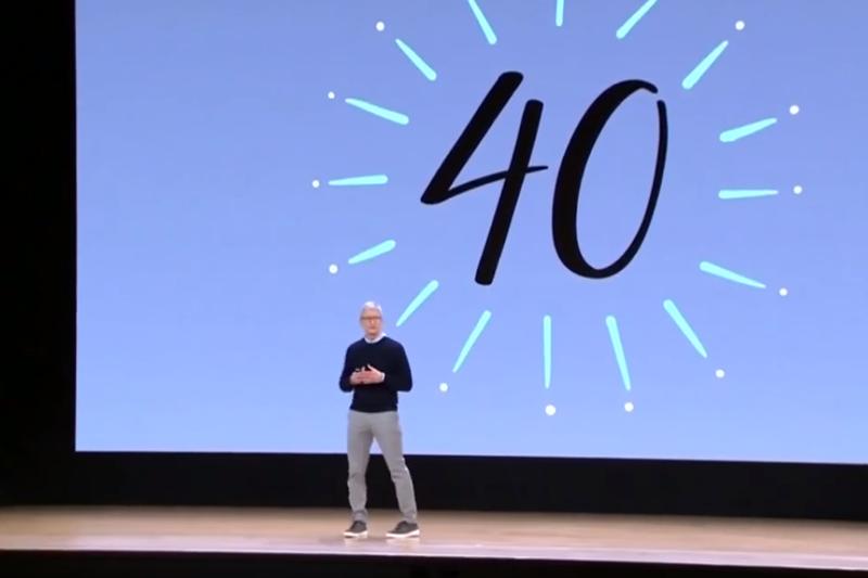 除了蘋果本身的產品外,「賈伯斯風格」的簡報也讓人津津樂道,到底這種簡報的秘訣是什麼呢...?(圖/擷取自Youtube)