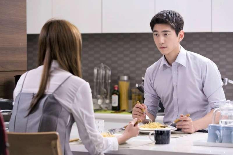 「你有在聽嗎?」老婆超愛問這題,到底該怎麼回才不會惹她生氣?(圖/SBS@facebook)