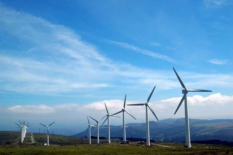 經濟部日前預告明年離岸風力躉購費率調降到5.1元讓廠商大喊吃不消,作者認為,經濟部在整體推動國產化流程的錯誤。(示意圖/makunin@pixabay)