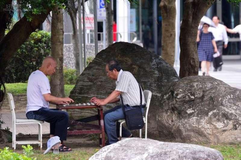 台灣人口老化嚴重,不但長照中心需求性越來越高,照護人恐也成問題,行政院修改民法,增訂「意定監護人」制度。(圖/陳韋帆攝|好房網提供)