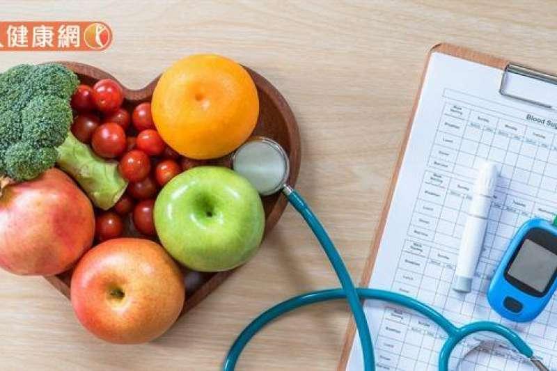 臨床研究發現吃太快的人,未來演變為「糖尿病前期」的機率是健康人的2倍。(圖/華人健康網提供)