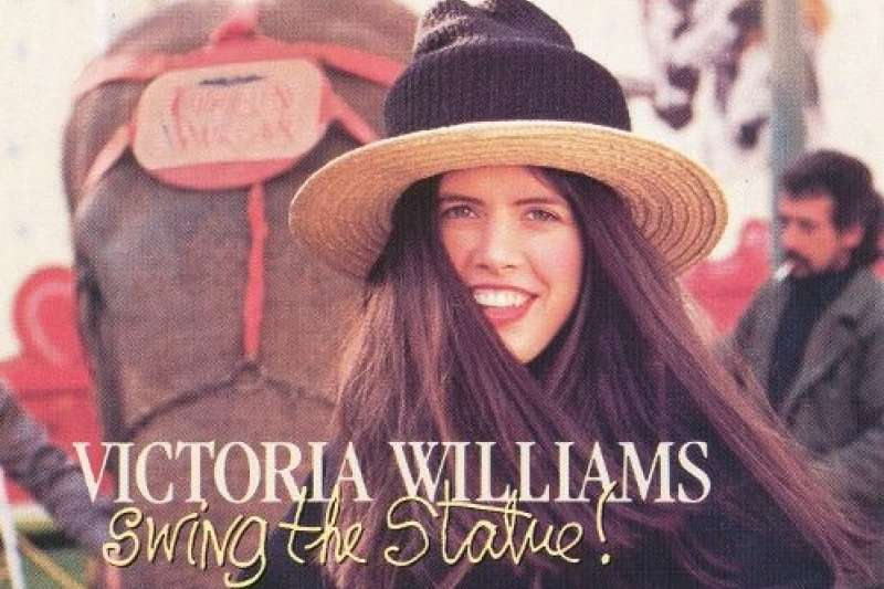 原本維多利亞.威廉斯的作品,在音樂界雖有極佳評價,在市場上的反應卻僅是平淡而已;但在「甜蜜解脫」這張集結眾多名團、名歌手的作品發行後,世人彷彿被喚醒般發現了這個神奇的女歌手。(圖/http://www.victoriawilliams.net/)