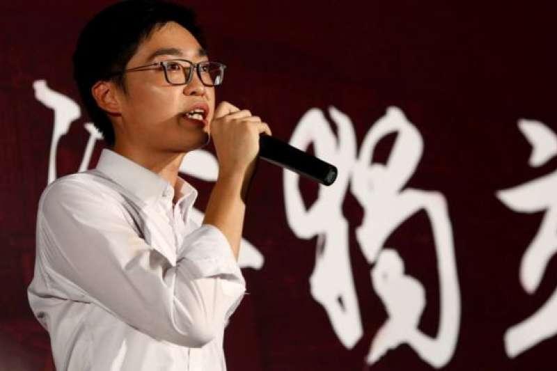 陳浩天2016年出席一個支持香港獨立的集會,事後成為香港警方建議取締香港民族黨的其中一個理據。(BBC中文網)