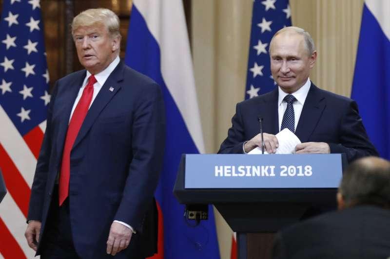 2018年7月16日赫爾辛基「雙普會」,美國總統川普表現荒腔走板,被譏為俄羅斯總統普京的傀儡(AP)