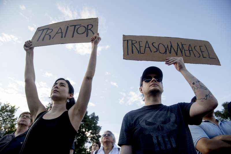 2018年7月16日赫爾辛基「雙普會」,美國總統川普表現荒腔走板,被民眾批評為「叛國」(AP)