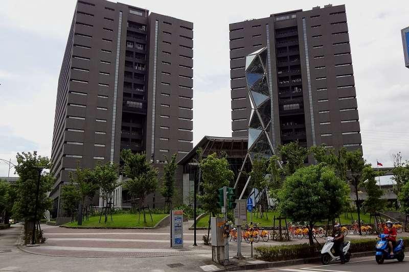 文化部本部所在地:行政院新莊聯合辦公大樓。文化部;文化部外觀;文化部大樓。(取自維基百科)
