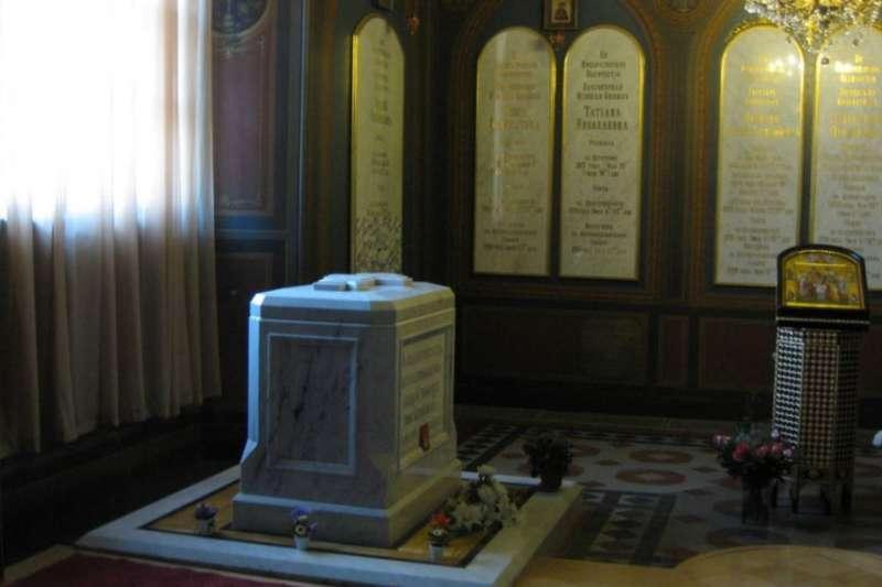 聖彼得堡彼得保羅大教堂中末代沙皇尼古拉二世和家人的安葬地。(美國之音)