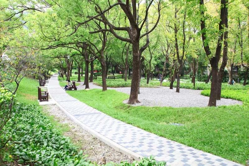 老公園漂亮重生 天和公園工程獲國家卓越建設獎。(圖/台北市政府)
