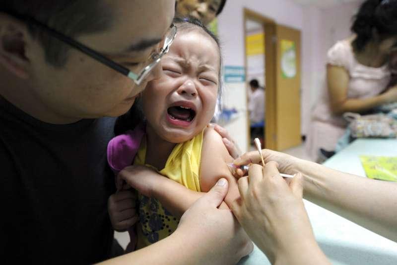 中國過去長期實行一胎化政策,導致人口結構失衡。(美聯社)