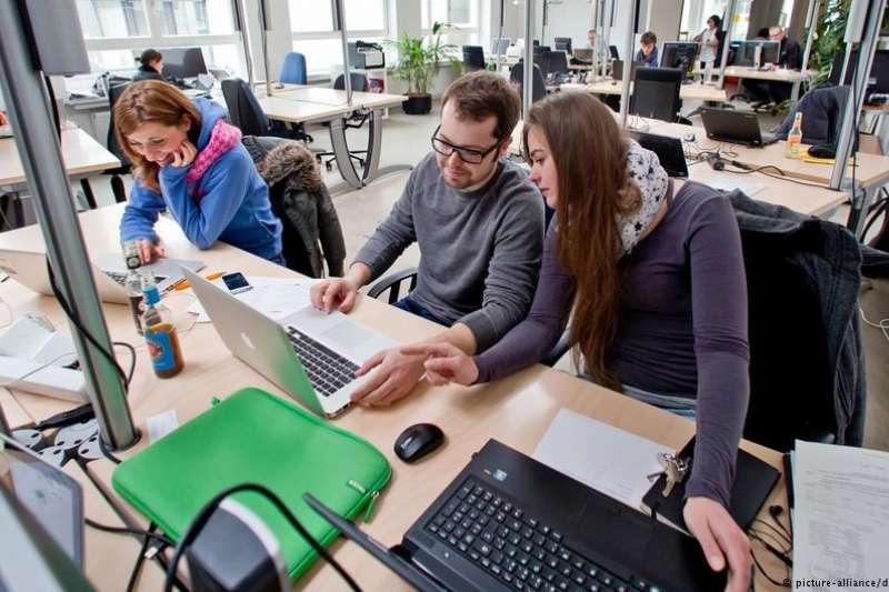 新西蘭信托服務商Perpetual Trust每周4天工作試驗結果顯示,效率提高、員工精神壓力減少。現在,該公司決定長期實施每周4天工作制,員工收入照舊。(德國之聲)