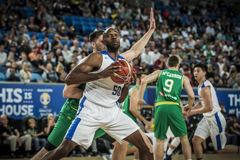 中華隊征戰亞運陣容異動,歸化中鋒戴維斯確定因傷缺席雅加達亞運,在征戰世界盃資格賽之後戴維斯傷勢未見好轉,確定連2屆亞運缺席。(圖取自FIBA官網)