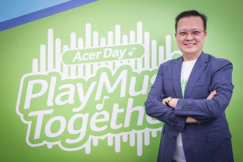 宏碁董事長陳俊聖今天宣布跨足飲料市場,因為根據內部市場調查,能量飲料的目標客群跟遊戲玩家一樣。(圖/acer,數位時代提供)