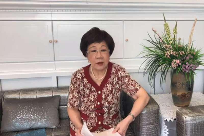 呂秀蓮(圖)談及蔣月惠行事作風時,她大讚,蔣讓大家看見「台灣的社會還是很有溫度!」。(翻攝「呂秀蓮:台北No.1」臉書)