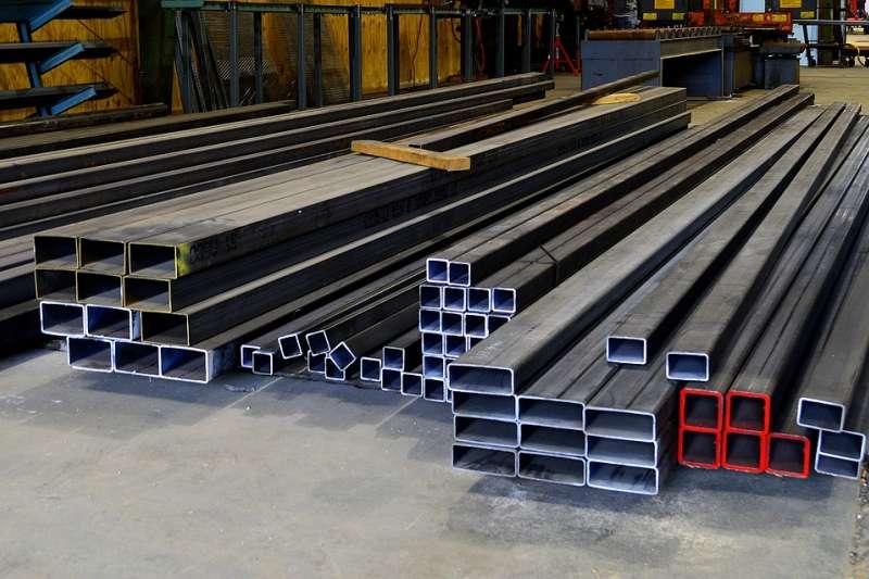 建設 建商 營建工程 鋼 鐵 工業 煉鋼 不鏽鋼 工廠 水泥(取自JAHuddleston@pixabay/CC0)