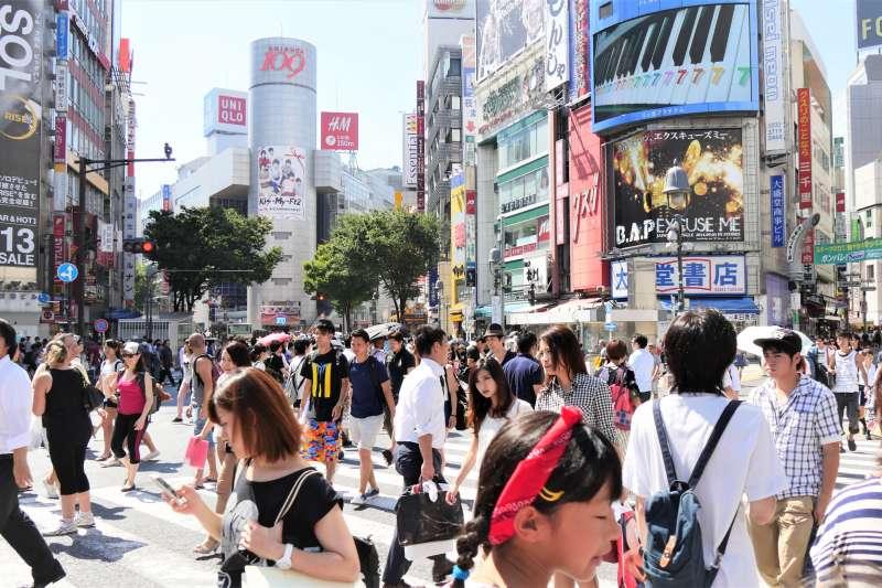 日本這幾周面臨酷熱天氣,發生許多中老年人在家中中暑身亡的悲劇。(圖/tjabeljan@flickr)