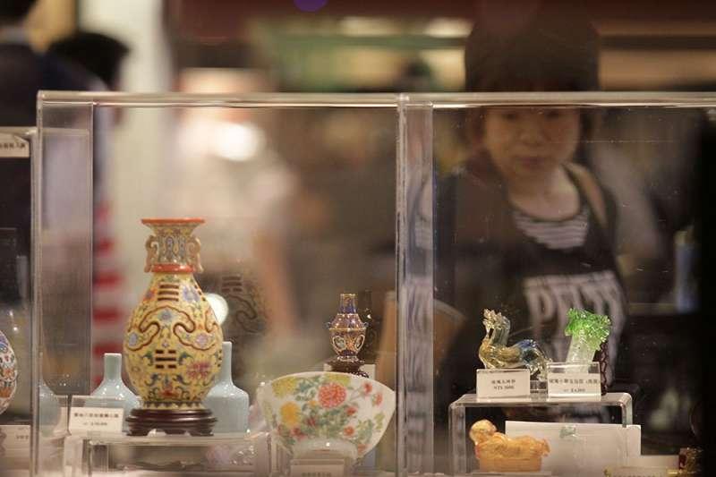 由故宮發行的文創商品即可發現,最新或最熱賣的品項多數還是來自於「國寶」。(新新聞資料照)