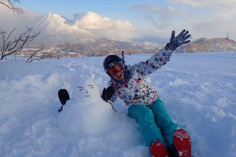 有人說滑雪是白色鴉片,一滑就會像中了毒般無法停止。(圖/顏孝真)