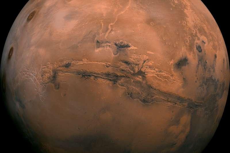 2018年7月25日,義大利太空總署(ASI)的科學家證實火星南極冰層下方有液態水(AP)