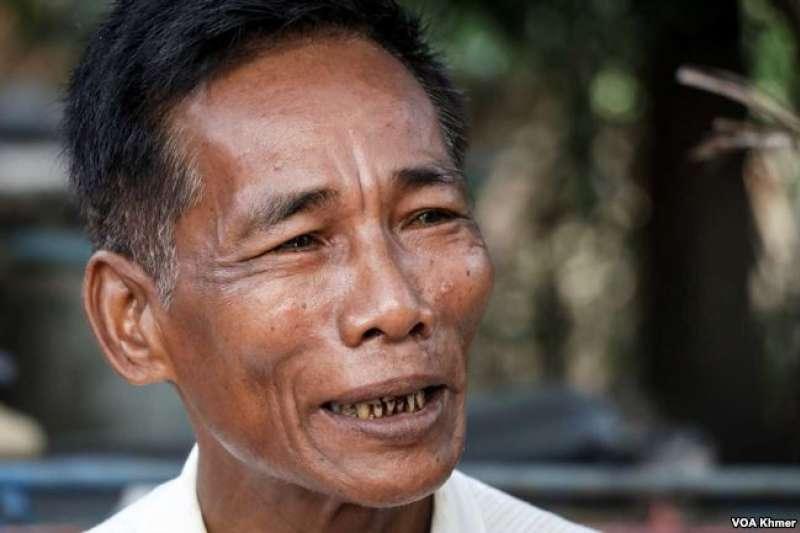 周拉今年64歲,他說他幾十年前參加紅色高棉,就是為了反對社會不公、腐敗,維護土地權益和抵制越南非法移民。(美國之音)