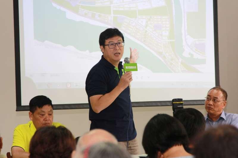民進黨台北市長參選人姚文智28日出席社子島開發政策說明會,提出三大核心主張。(姚文智辦公室提供)