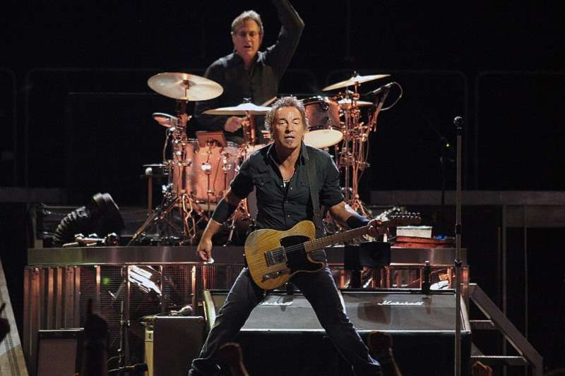 2008年,演唱會上的魯斯斯普林斯汀與鼓手馬克斯溫伯格。(Craig ONeal - The Boss~Live!∕維基百科)
